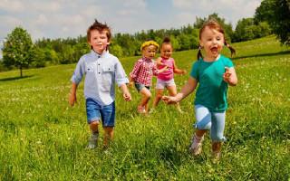Какими подвижными играми занять детей 3-4 лет