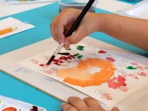 Рисует ребенок 4 лет